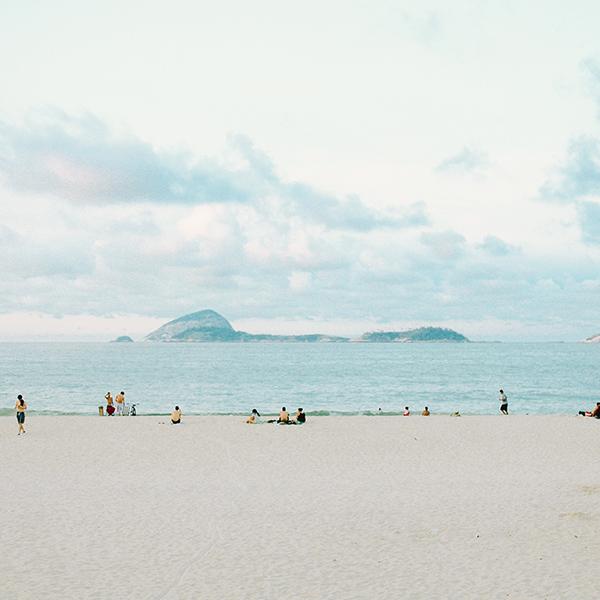 iPapers.co-Apple-iPhone-iPad-Macbook-iMac-wallpaper-nz16-beach-holiday-sea-cloud-island-wave-nature-wallpaper