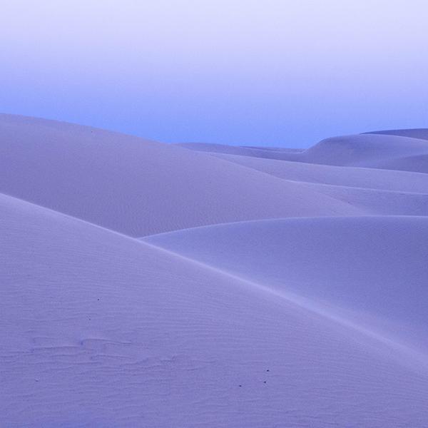 iPapers.co-Apple-iPhone-iPad-Macbook-iMac-wallpaper-nz24-dessert-blue-mountain-nature-wallpaper