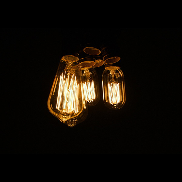 iPapers.co-Apple-iPhone-iPad-Macbook-iMac-wallpaper-oa09-light-bulb-dark-night-nature-wallpaper
