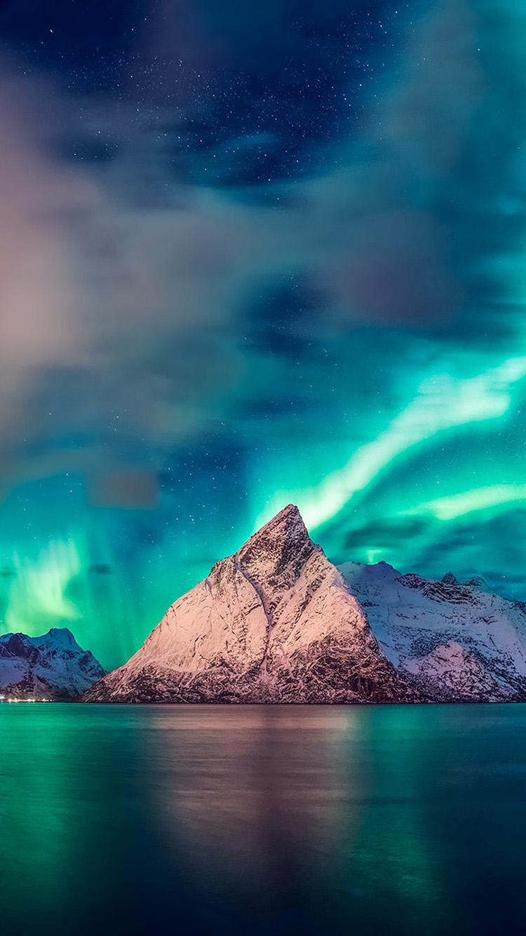 iPhone7papers.com-Apple-iPhone7-iphone7plus-wallpaper-oa65-aurora-mountain-sea-nature-night-sky
