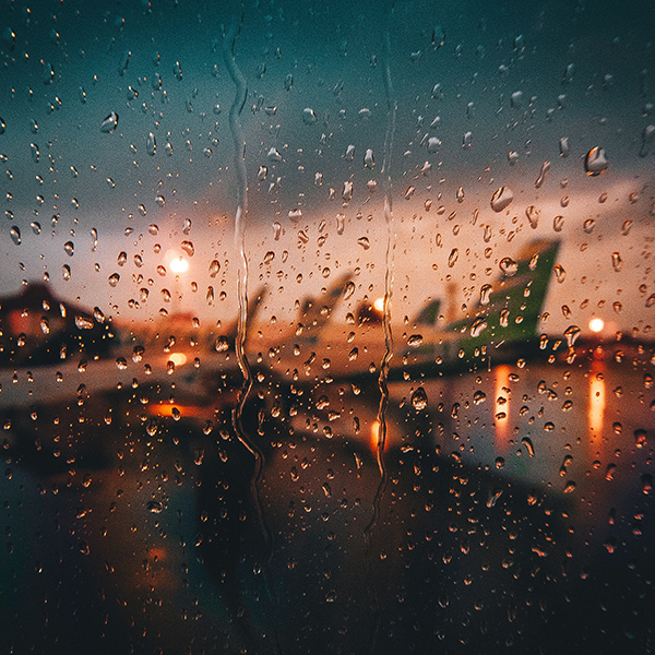 iPapers.co-Apple-iPhone-iPad-Macbook-iMac-wallpaper-ob34-night-flight-plane-rain-nature-wallpaper