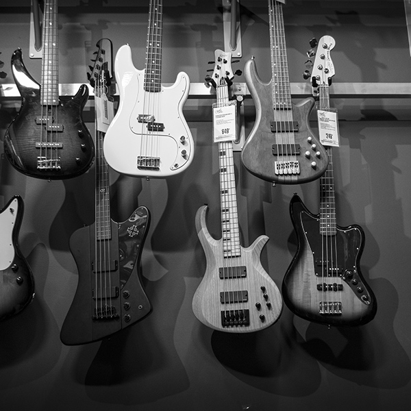 iPapers.co-Apple-iPhone-iPad-Macbook-iMac-wallpaper-oc12-guitar-music-instrument-bw-nature-wallpaper