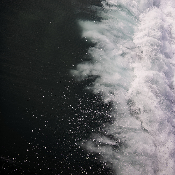 iPapers.co-Apple-iPhone-iPad-Macbook-iMac-wallpaper-oc23-wave-cold-sea-water-bubble-nature-wallpaper