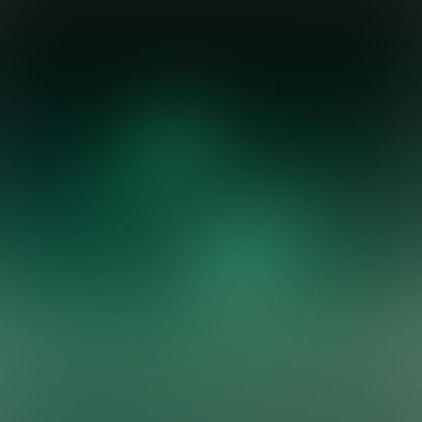 iPapers.co-Apple-iPhone-iPad-Macbook-iMac-wallpaper-sl17-green-space-blur-gradation-wallpaper