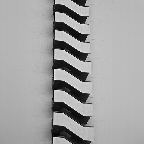 iPapers.co-Apple-iPhone-iPad-Macbook-iMac-wallpaper-vj13-stairs-achitecture-bw-dark-pattern-wallpaper