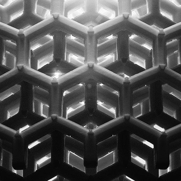 iPapers.co-Apple-iPhone-iPad-Macbook-iMac-wallpaper-vp91honey-cube-pattern-comb-dark-bw-wallpaper