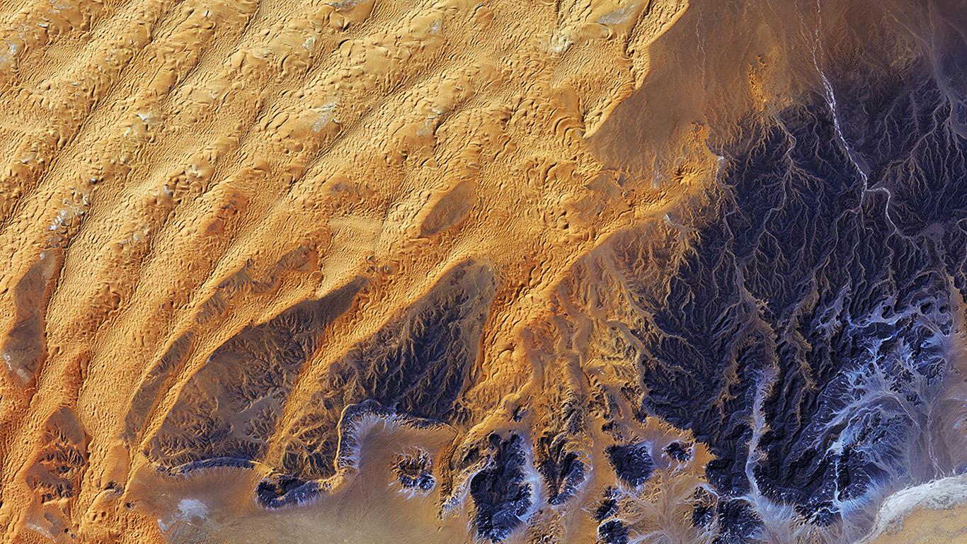 desktop-wallpaper-laptop-mac-macbook-air-vq66-sahara-desert-earthview-yellow-blue-pattern-wallpaper