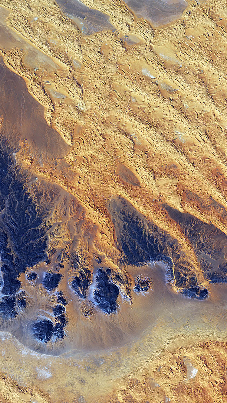 Papers.co-iPhone5-iphone6-plus-wallpaper-vq67-sahara-desert-earthview-yellow-blue-pattern-nature