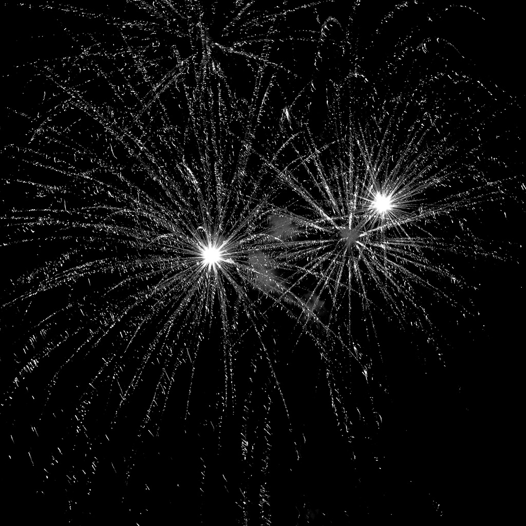 wallpaper-vv40-firework-sky-dark-party-event-pattern-background-bw-dark-wallpaper