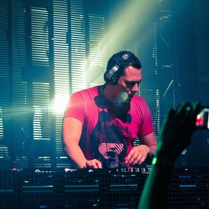 papers.co-hc73-dutch-dj-record-producer-tiesto-music-1-wallpaper