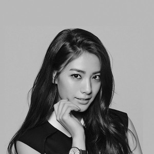 papers.co-hd62-nana-kpop-idol-dark-bw-music-sexy-girl-1-wallpaper
